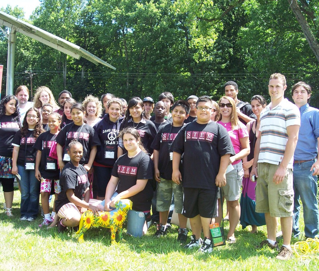 THE RPI STEM students group photo at Solaqua!